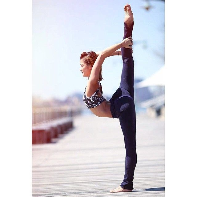 This Is The Definition Of A Perfect Needle Scale @_nikkisue_ #springtime  #Nyc #fsb #dandayamanadhanurasana #fullstandingbow #flexibility #contortion  ...
