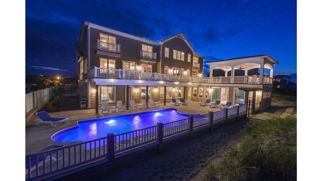 The regency north an elegant ocean front mansion 12