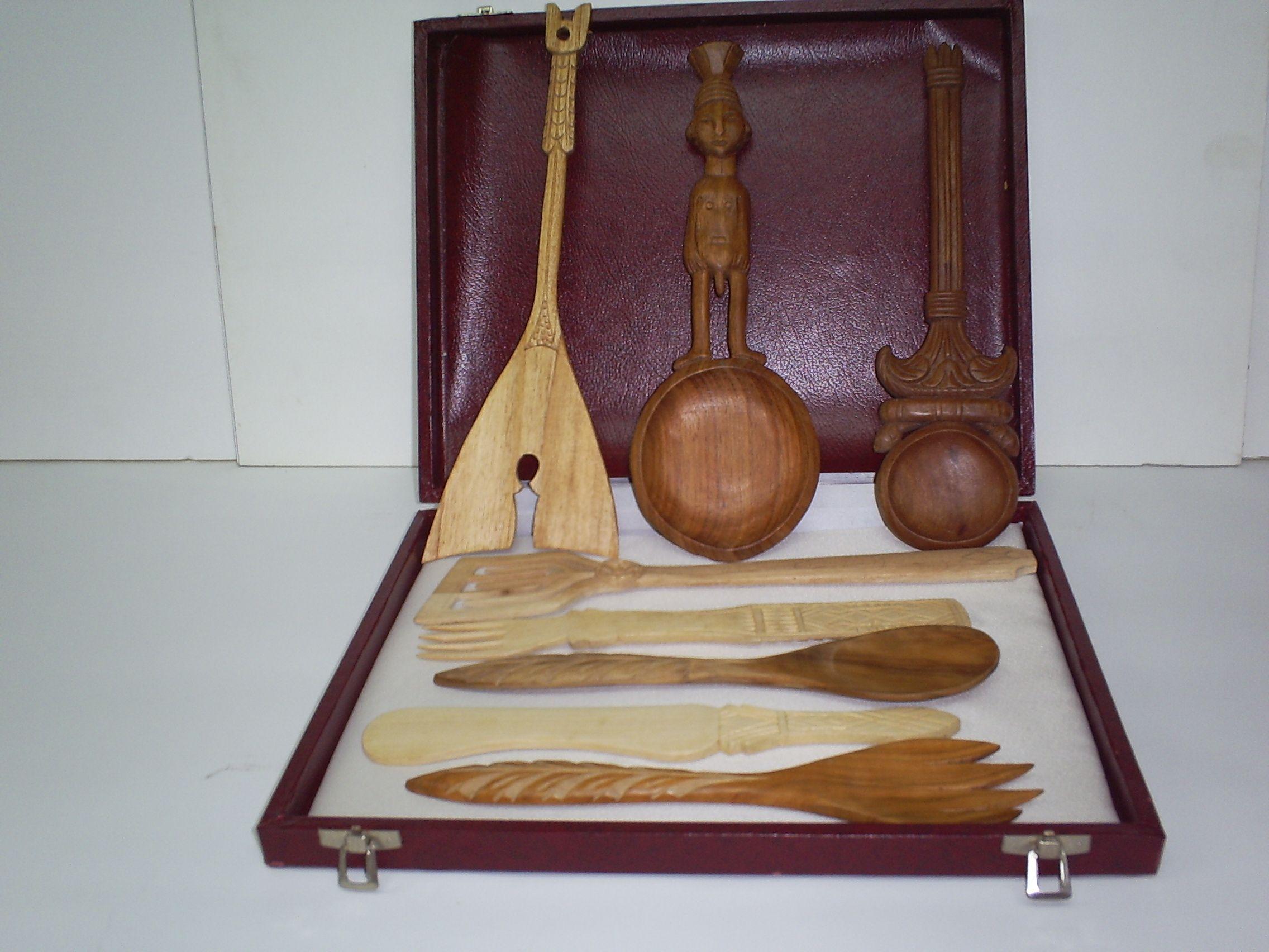 Mas utensilios de cocina 1 egipcia y otra africana una for Utensilios antiguos de cocina