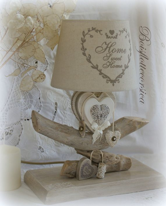 r serv e lampe bois flott et son coeur en bois patin vendue avec abat jour home sweet home. Black Bedroom Furniture Sets. Home Design Ideas