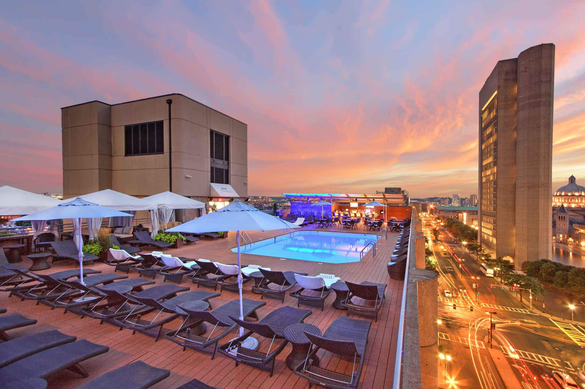 The Most Essential Rooftop Bars In Boston Boston Hotels Best Rooftop Bars Boston Nightlife