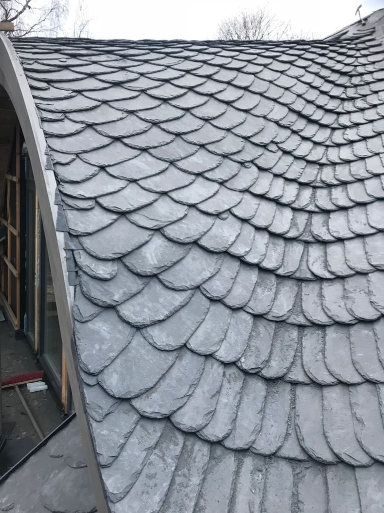 Pin By Chanzani On Skaluneris Roofing Building Roof Slate Roof Roof Architecture