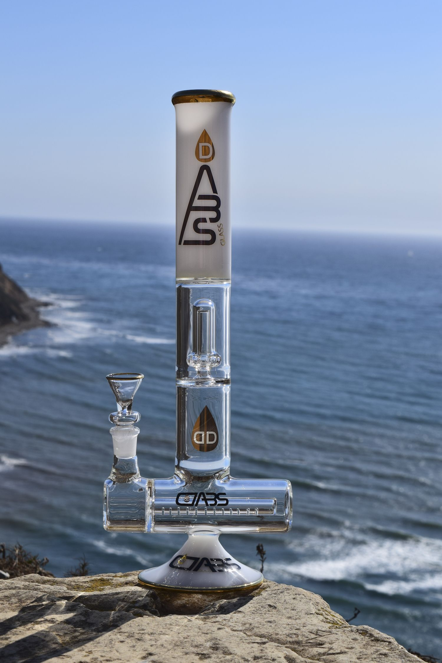 Inline to Showerhead Percolator Bong by Dabs Glass. We capture ...