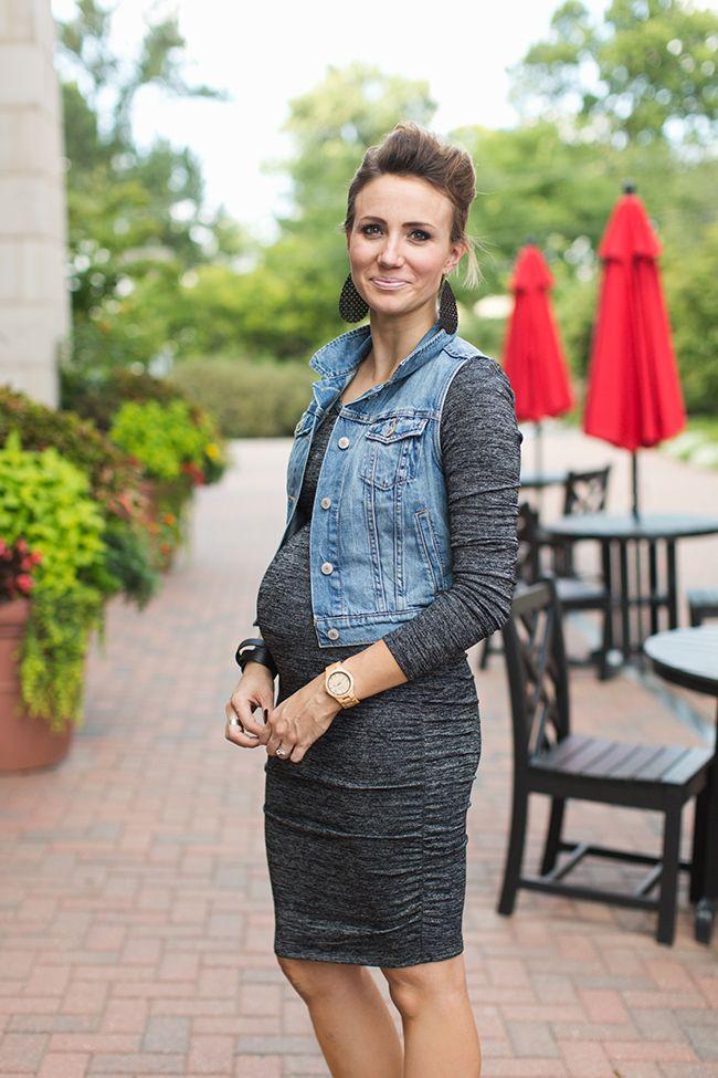 f087648b989e9 Body Con Dress and Denim Vest Maternity Style | PREGNANT Fashion ...