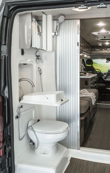 30 Simple Diy Rv Bathroom Remodel Ideas For Amazing Camper Experience Auto Innenraum Wohnmobil Kastenwagen In Wohnmobil Umbau