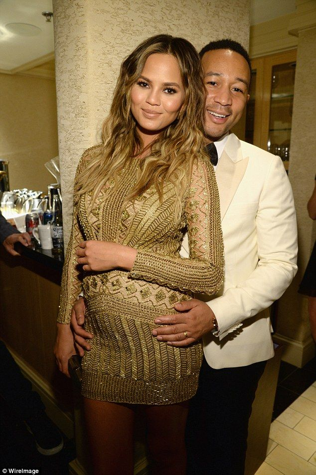 Alicia Keys gives Chrissy Teigen\'s pregnancy bump a pat at event ...