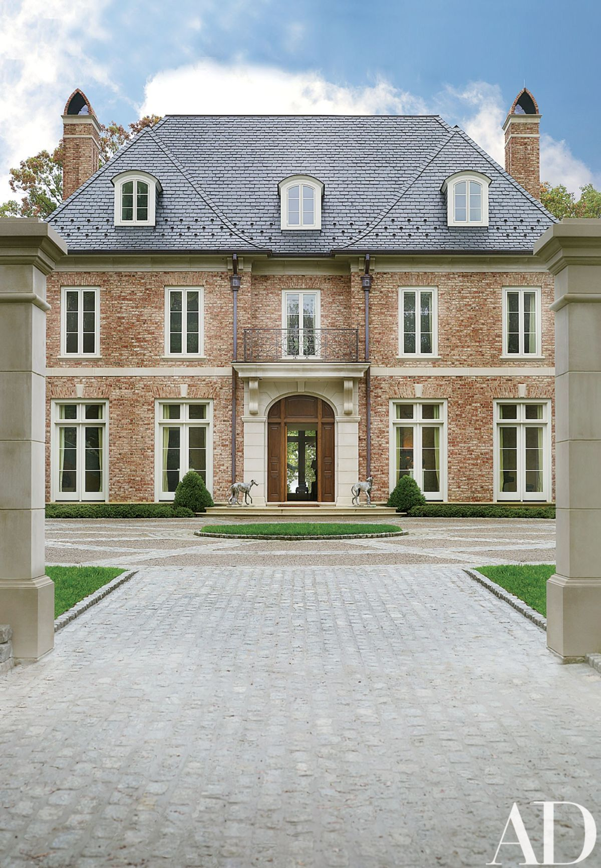 Everything You Need To Know About Georgian Style Homes Georgian Style Homes Georgian Homes House Styles
