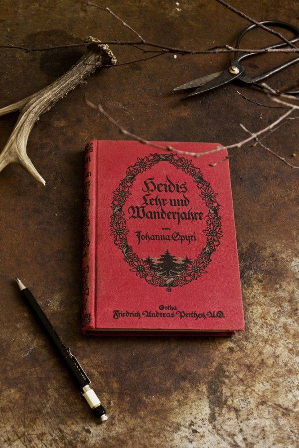 Konglomerat  Handgemachte Notizbücher aus alten Büchern