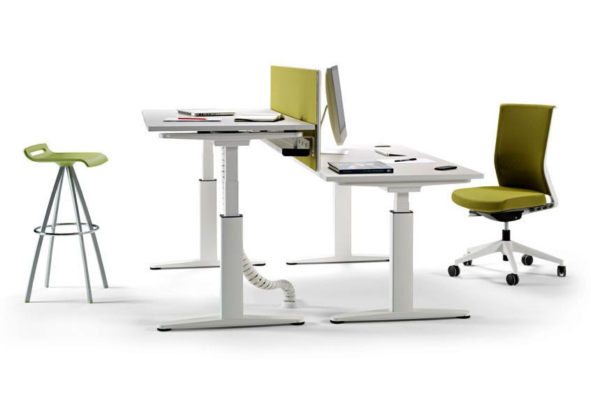 Bureau rglable en hauteur oprationnel MOBILITY by ACTIU design