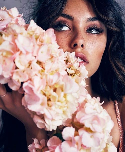 madison beer, flowers, and model image