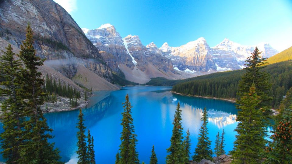 What a stunning lake.  So gorgeous!