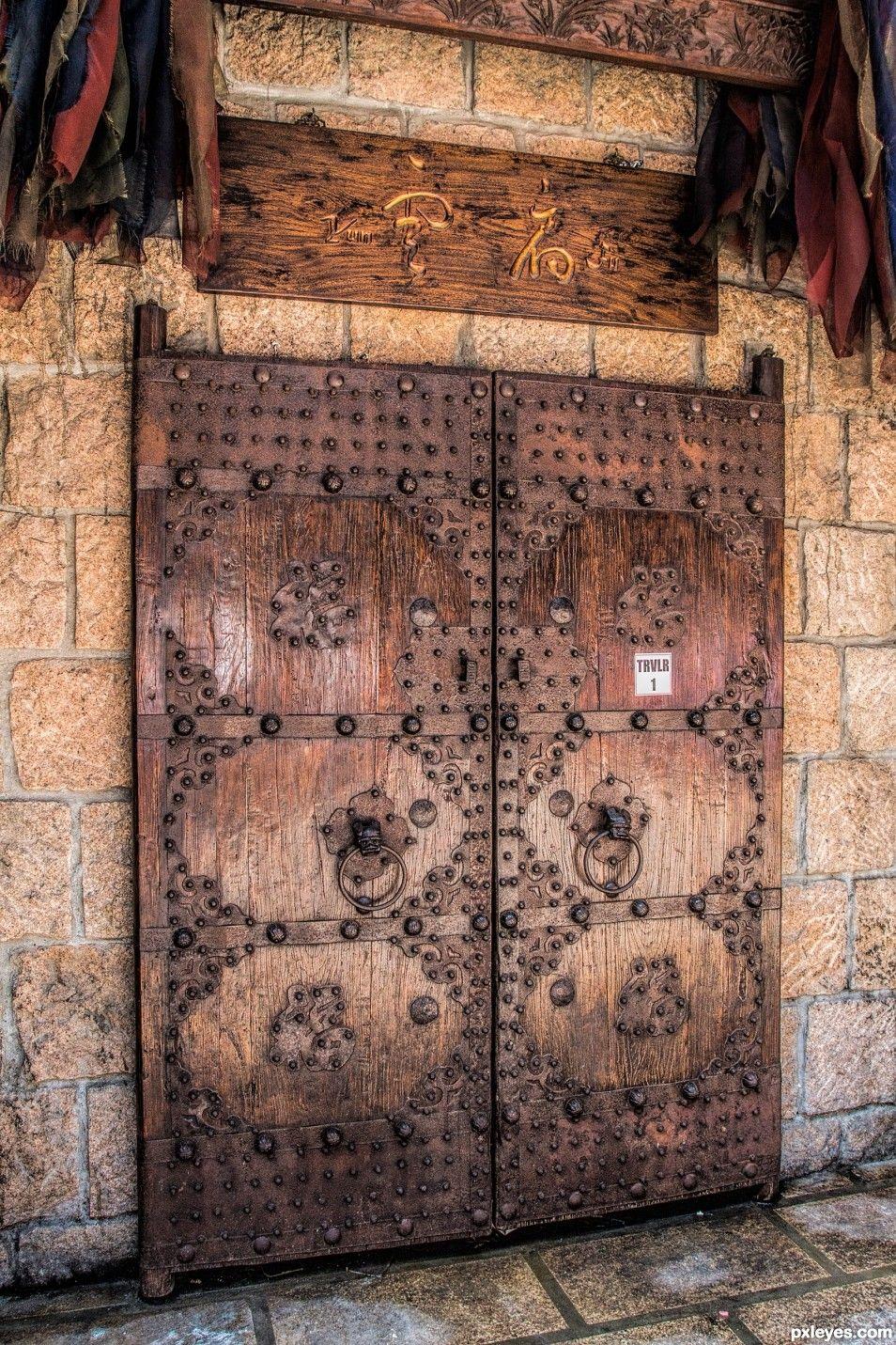 A Very Old Door Bluedivagal Bluedivadesigns Wordpress Com Cool Doors Old Doors Chinese Door