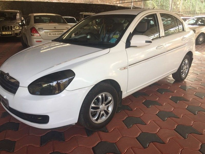 Cars For Sale Hyundai Verna Model Verna Price 2 6 Lac Year 2009