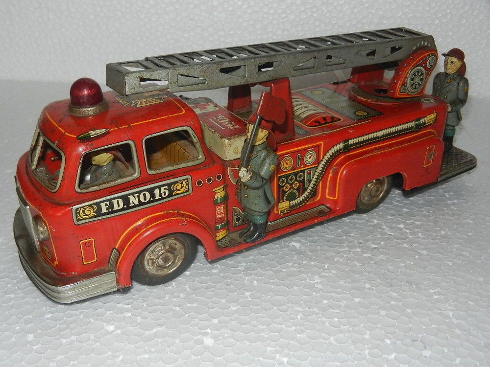 Vintage Battery F D No 15 T N Trademark Fire Brigade Truck Litho Tin