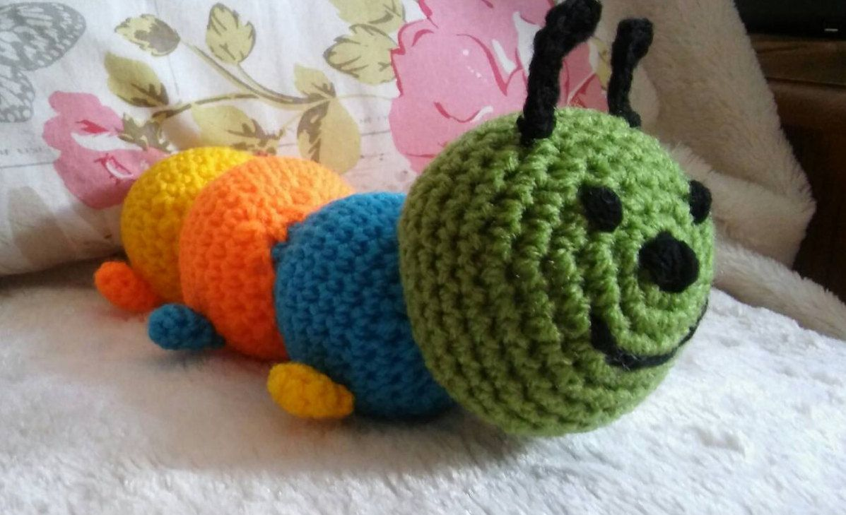 Amigurumi Caterpillar : Caterpillar plushie crochet caterpillar toy rainbow coloured bug