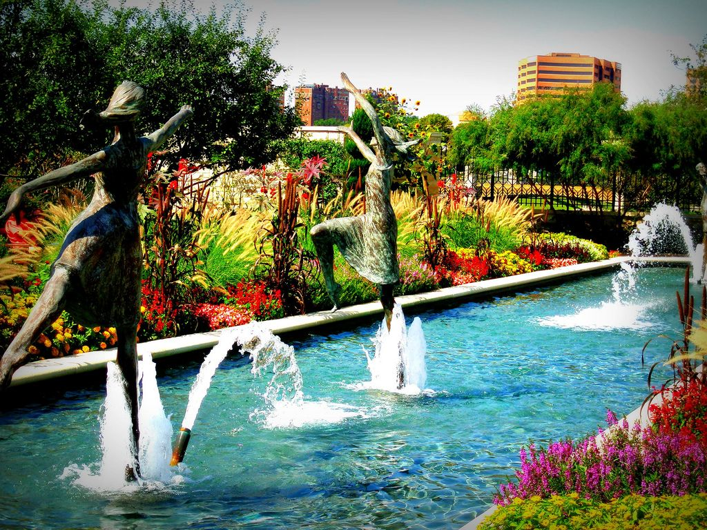 Kauffman Gardens In Kansas City Always Changing And Always Beautiful Favorite Places