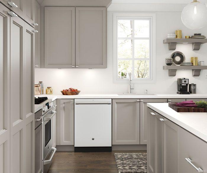 Thomasville Costello Full Maple White And Sterling In 2020 Condo Kitchen Maple Kitchen Cabinets All White Kitchen