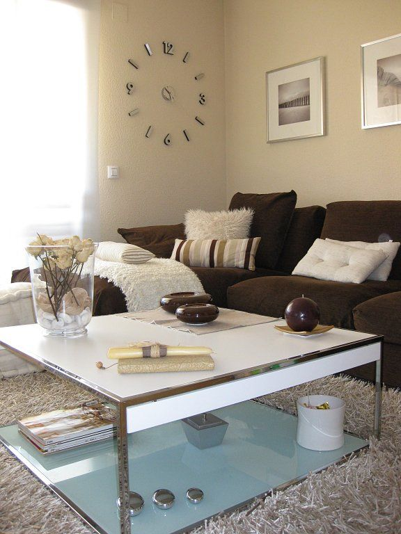 Sofa marron decoracion buscar con google sala estar for Sala de estar marron