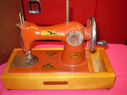 1950s U.S.S.R. (Russian )Orsha Child's Toy Cast Sewing Machine,Hand Crank,Boxed