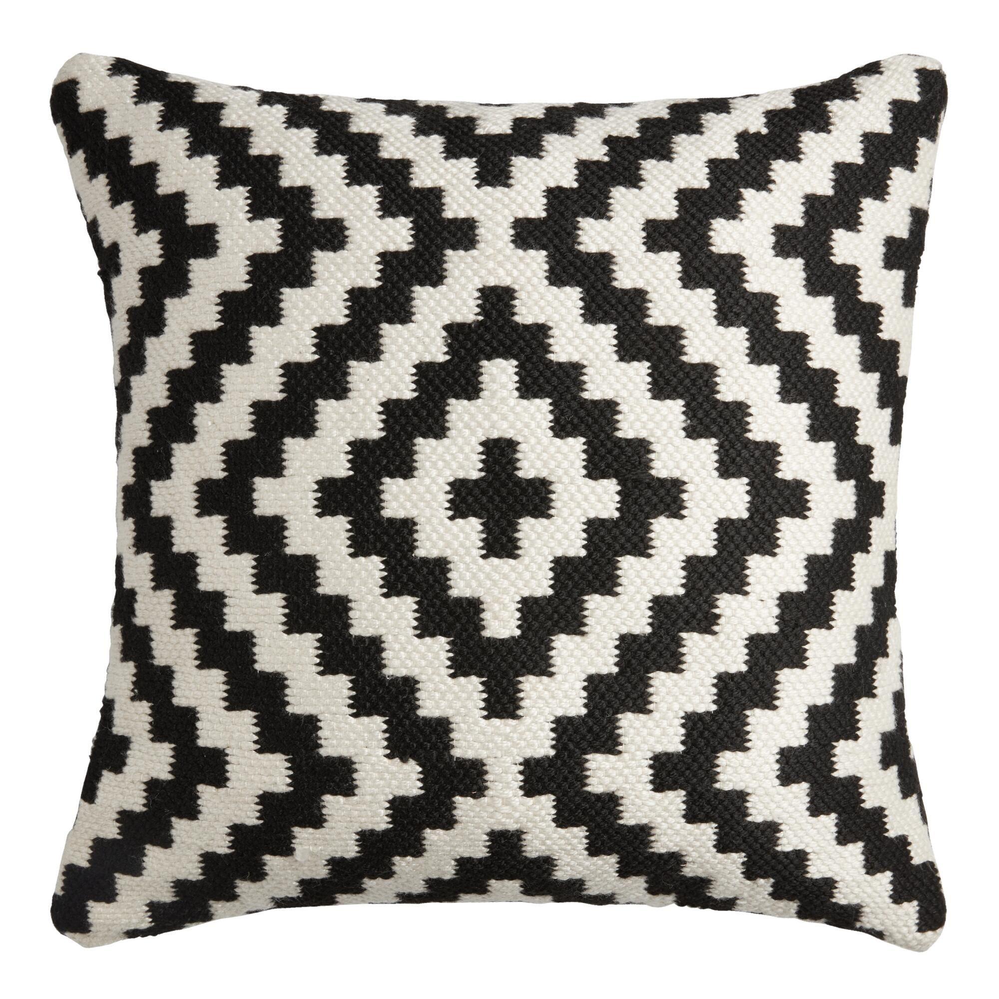 Black And Ivory Geo Zigzag Indoor Outdoor Throw Pillow V1 In 2021 Throw Pillows Geometric Throw Pillows Outdoor Throw Pillows