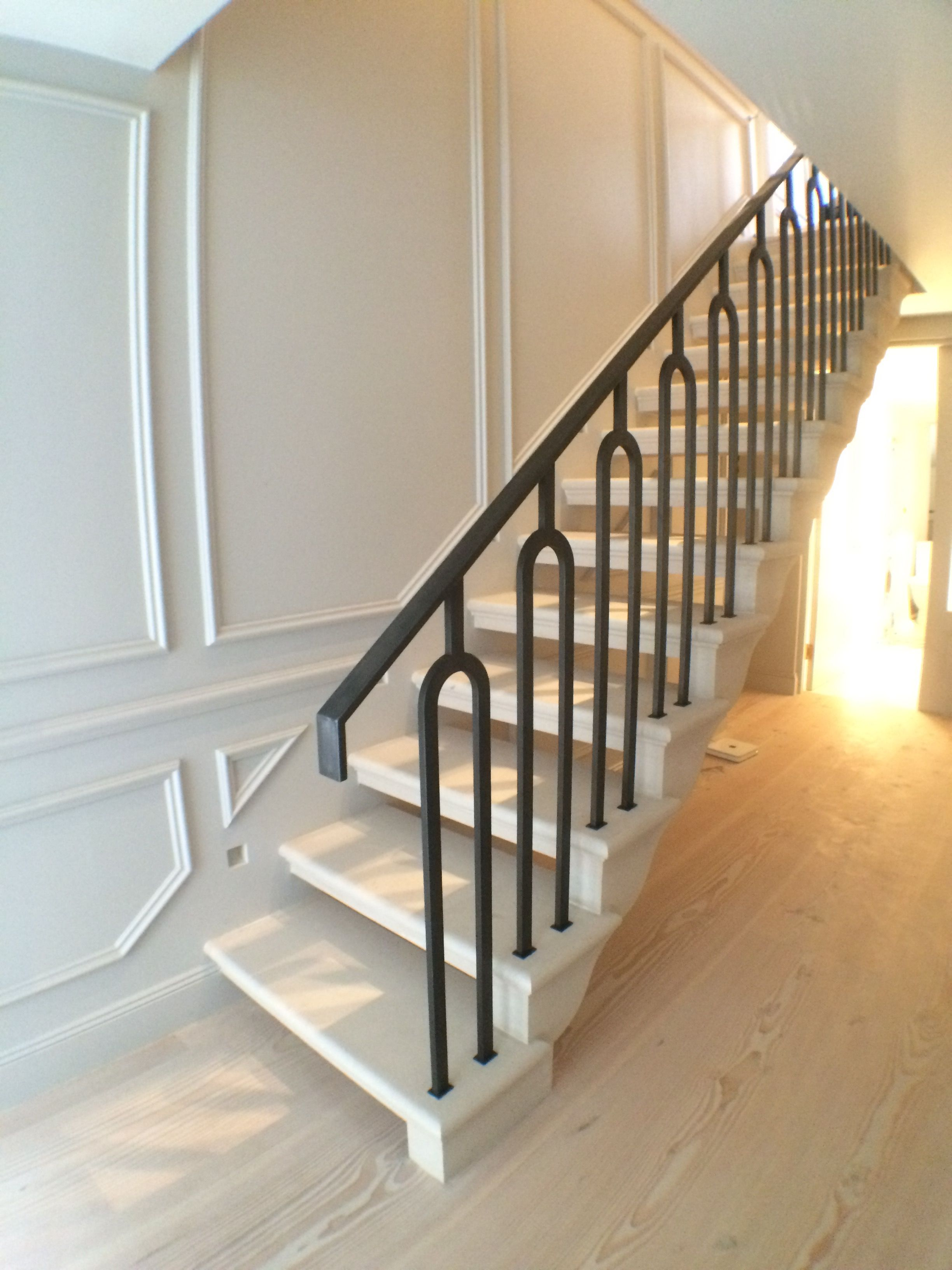 Best Open Treads Stone Staircase Portland Limestone Cantilever 640 x 480