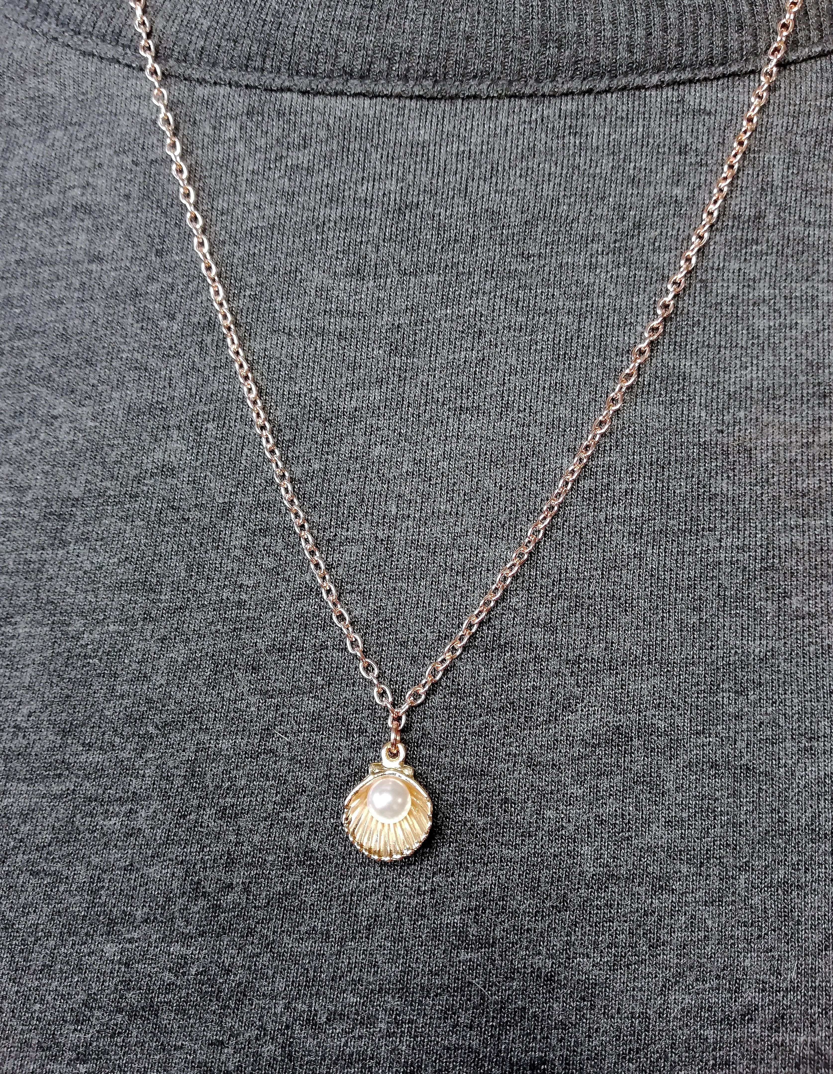 bfef10b00f7fd Dainty Rose Gold Oyster Clam Shell Pearl Necklace Minimalist ...