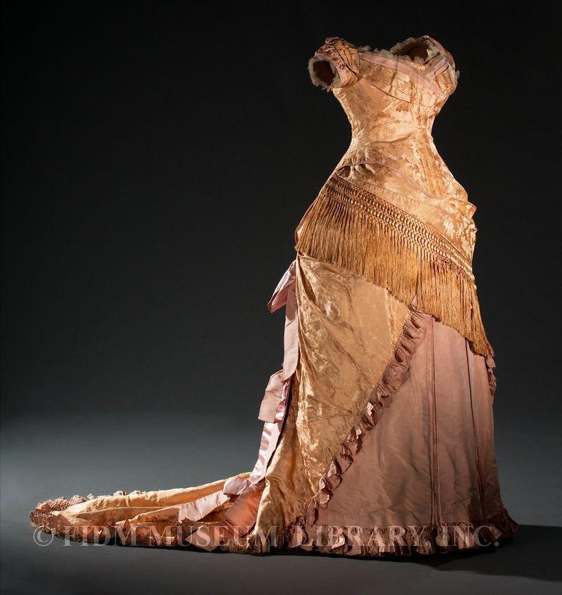1879, Europe - Silk robe à transformation (evening bodice) worn by Queen Louise of Denmark
