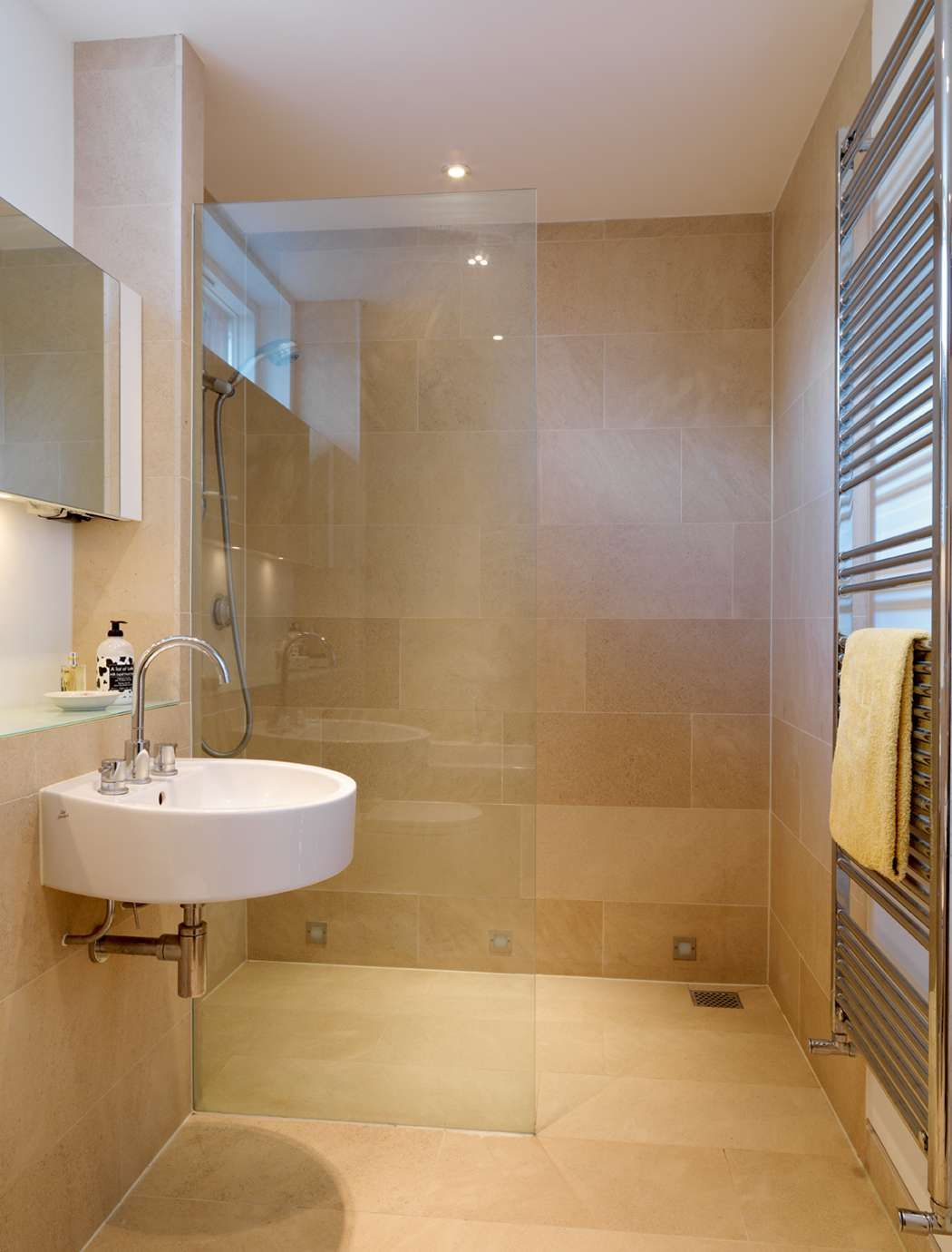 25 Bathroom Ideas For Small Spaces | Bathroom layout ...