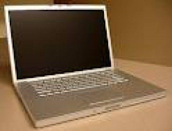 LATEST CYPRUS CLASSIFIED ADS - Apple MacBook Pro Core i7 2.2 GHz 17 4GB Ram 750GB HDD