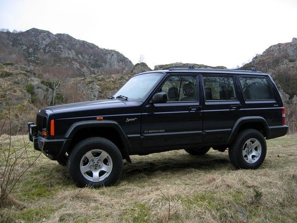 Perfect 1998 Jeep Cherokee Sport   Had A Green One Like This Way Back When...4x4