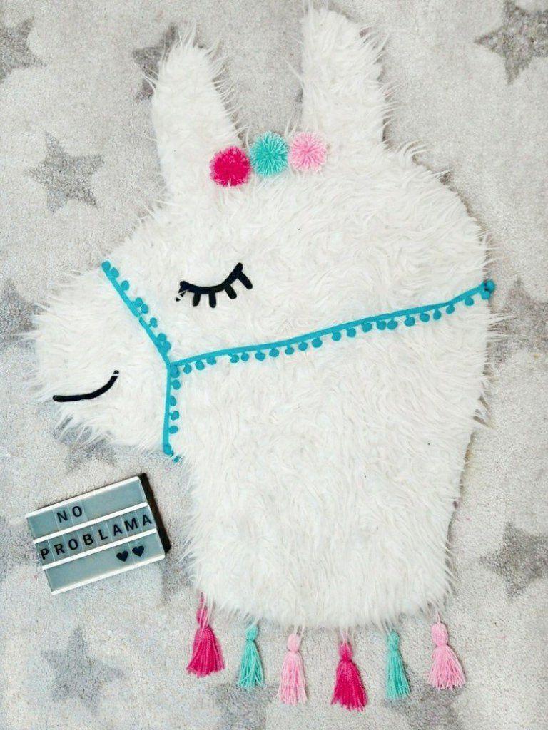 d5c9987bb2 Süßer DIY Teppich zum Selbermachen. Dieser niedliche Lama Teppich wird nur  geklebt, ihr müsst nicht nähen. Die Anleitung findet ihr auf meinem Blog.