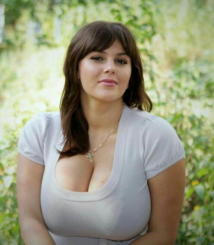 Зрелые груди женщин своевременно