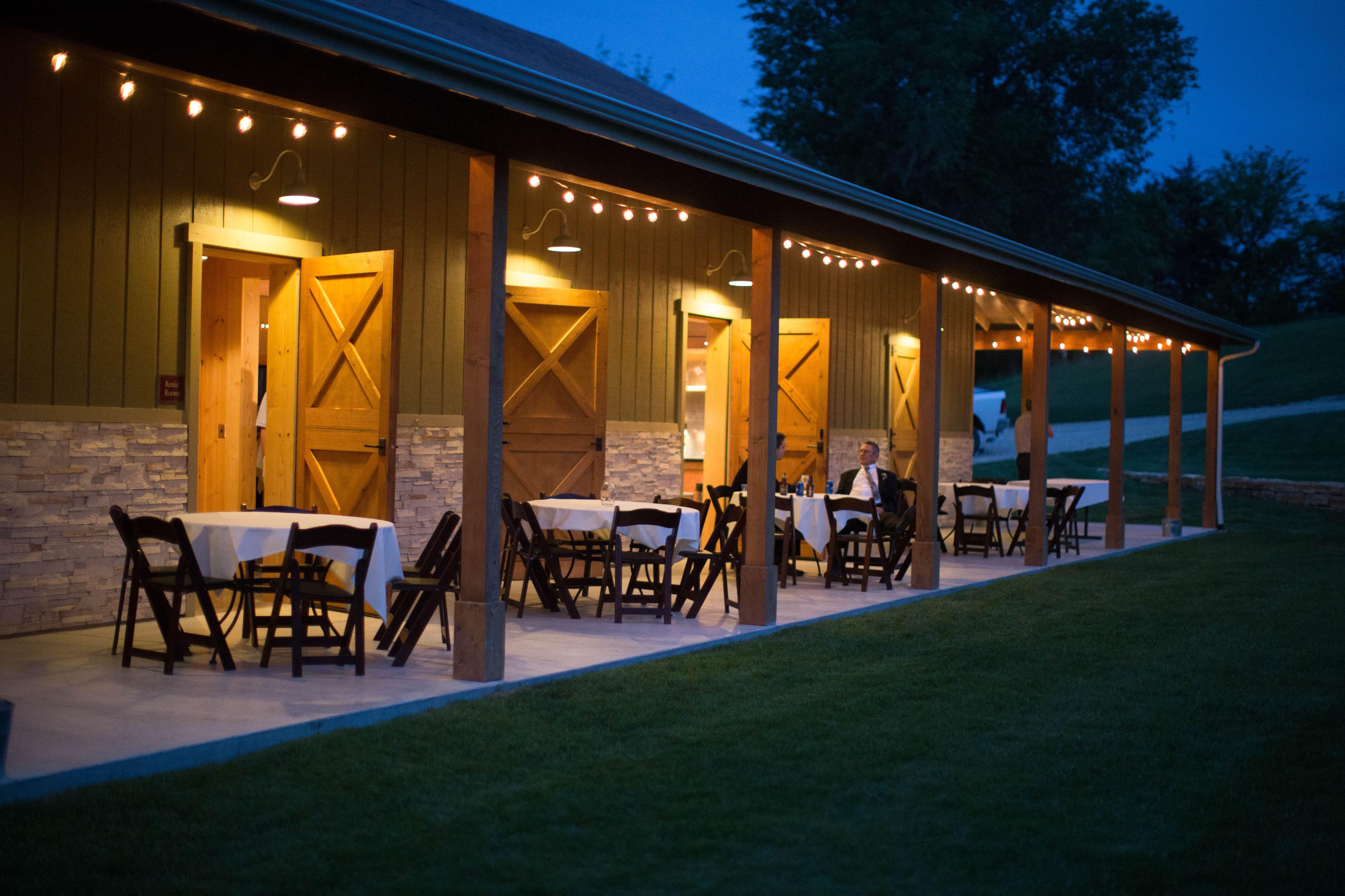 Venue Prairiewood Retreat Amp Preserve Blue Sage Barn Manhattan Ks Cafe Design Retreat Barn