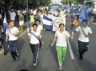20,000 students in Nicaragua participated in the Independence Torch run