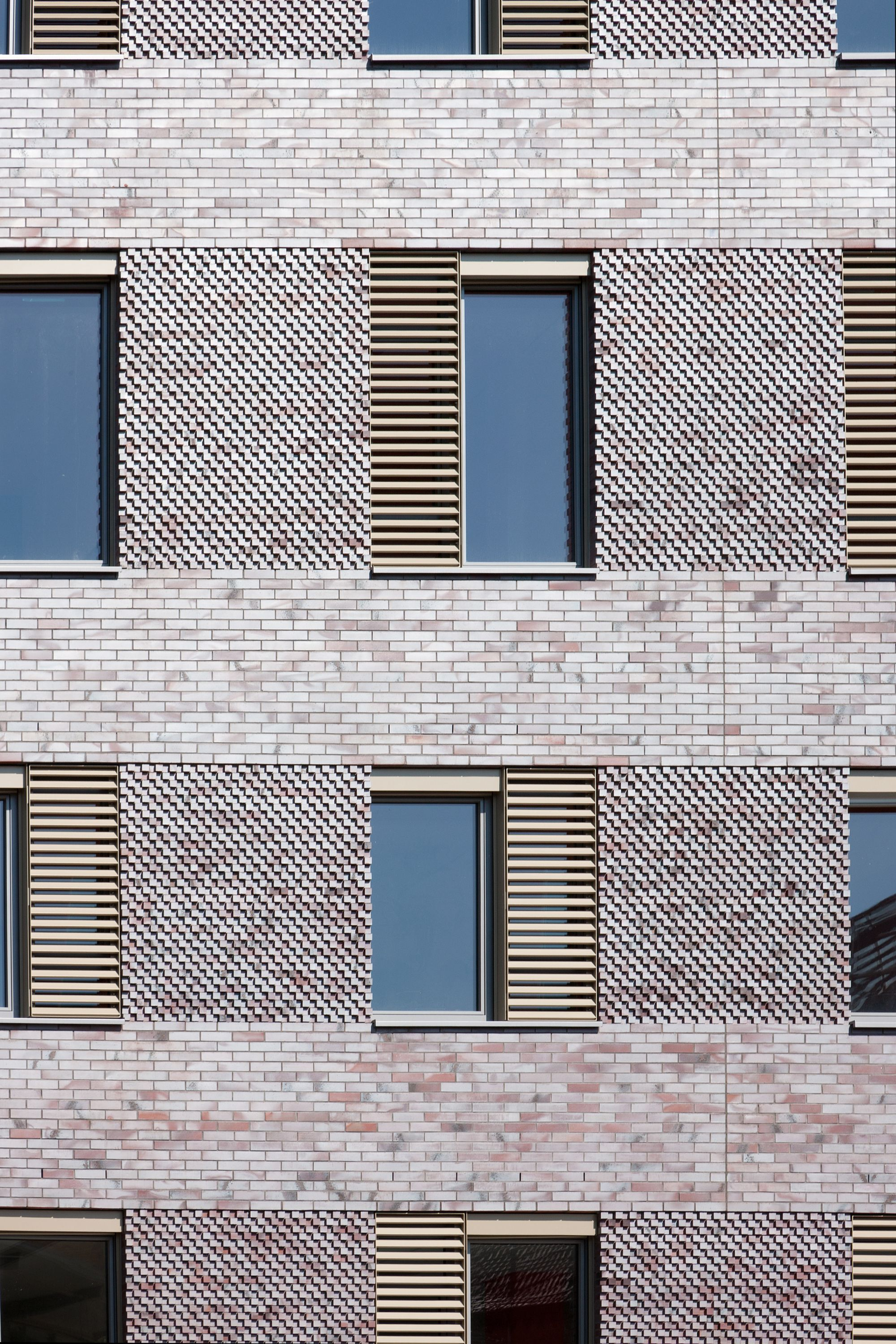 Modern brick facade google search brick in for Brick facade house