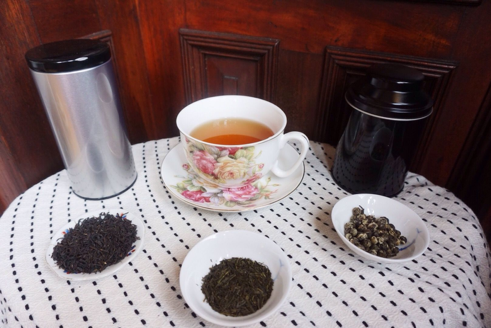 Part of Kat's New Year resolution is to make sure she doesn't waste any tea. Teas don't last forever dearies, and of course it tastes best when it's fresh. As Kat was cleaning her cupboards after t...
