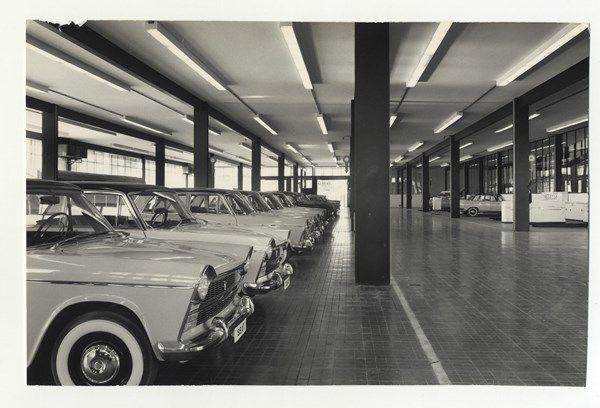 Filial SEAT, Barcelona, 1960-65. Arquitectos: César Ortiz-Echagüe y Rafael Echaide. Fotógrafo: Plasencia