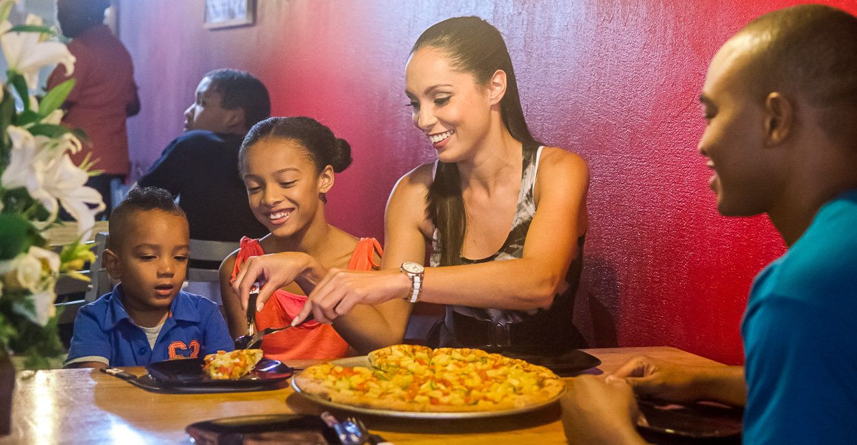 Dinner Pizza Boys Hotel Krasnapolsky, Suriname