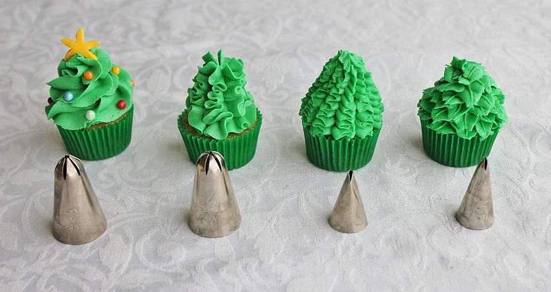Mini Christmas Tree Cupcakes The First One On The Left Was The 2d