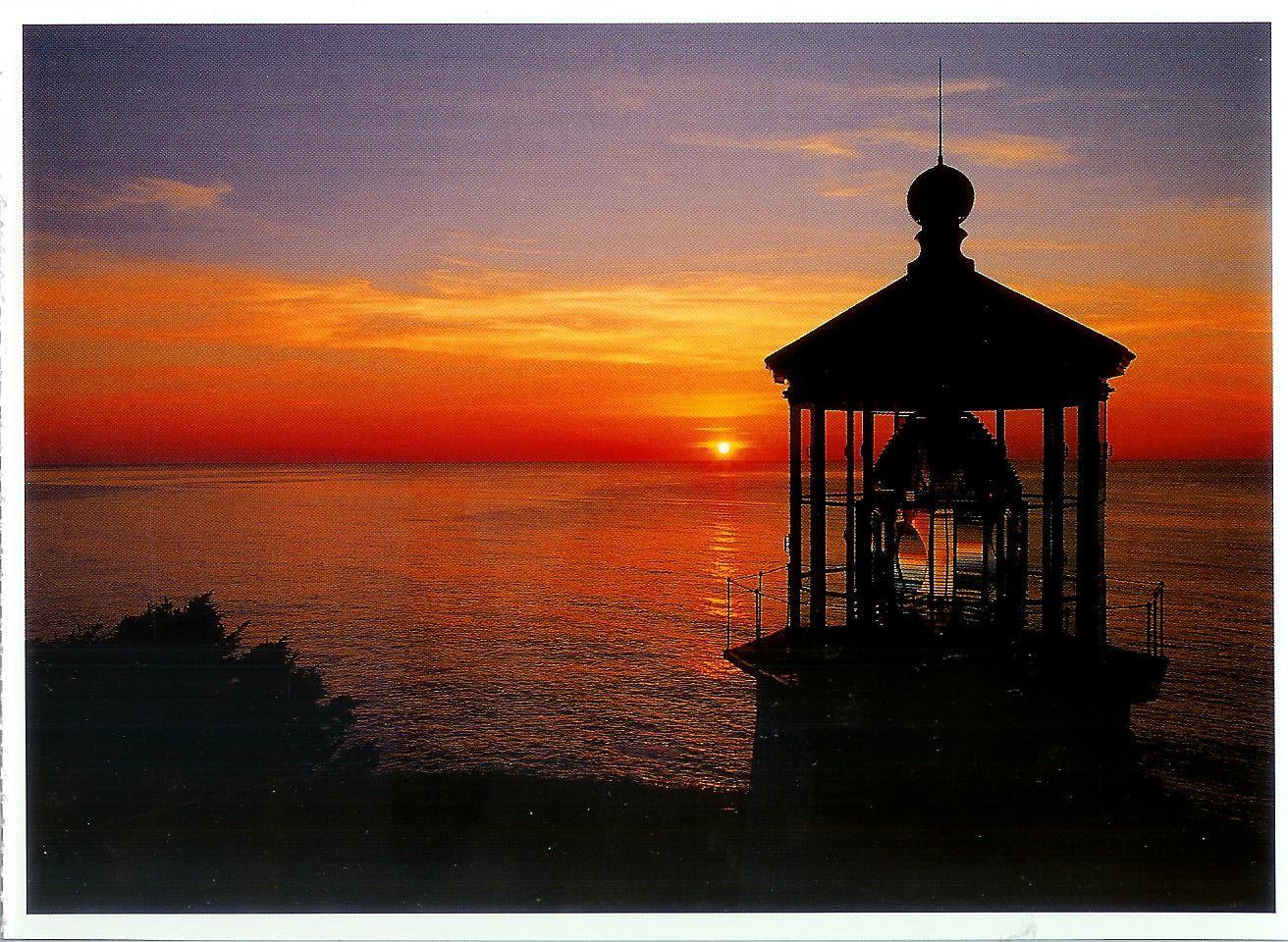 Cape Meares Lighthouse... coastal Oregon... wow