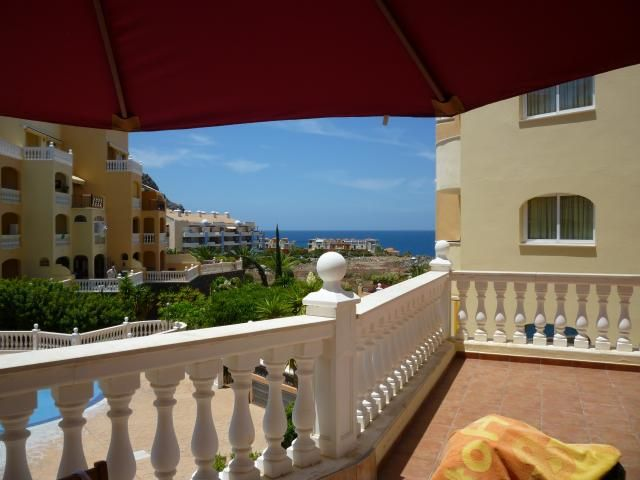 Parque Tropical 2 Bed Apartment For Rent In Los Cristianos Tenerife Sleeps Up To 6 From 300 0 A Week
