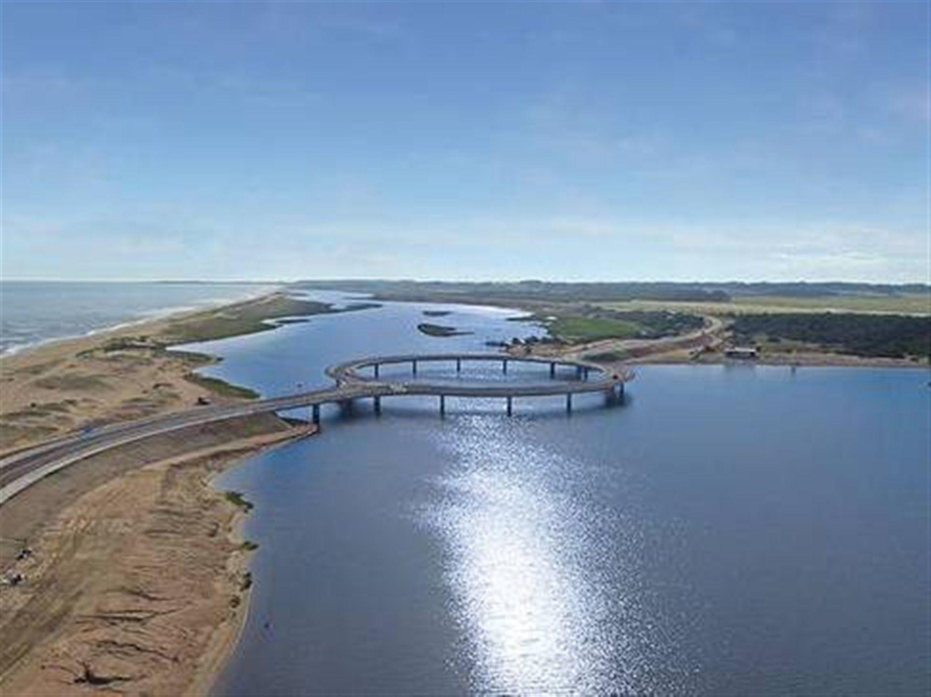 Arquitetura - Uruguai tem uma ponte redonda. Para ver as vistas
