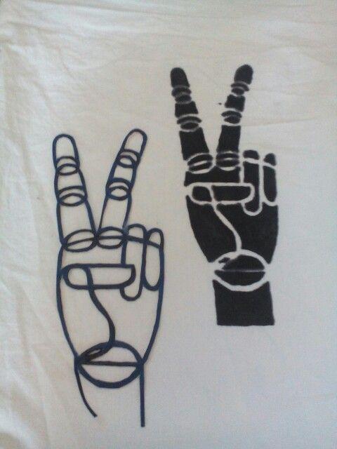 Coole selbstgemachte Schablone  Victory Zeichen