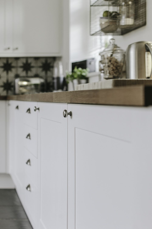 Bank Of Units Painting Laminate Kitchen Cupboard Doors Kitchen Cupboards Paint Kitchen Cabinets Uk