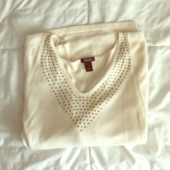 Kenneth Cole Reaction sweater top! Very chic top! I always got compliments when I wore it. It's lightweight with bubble sleeves, easy to dress up or down! :) It is a small but would also work for a medium person. Kenneth Cole Reaction Tops Blouses