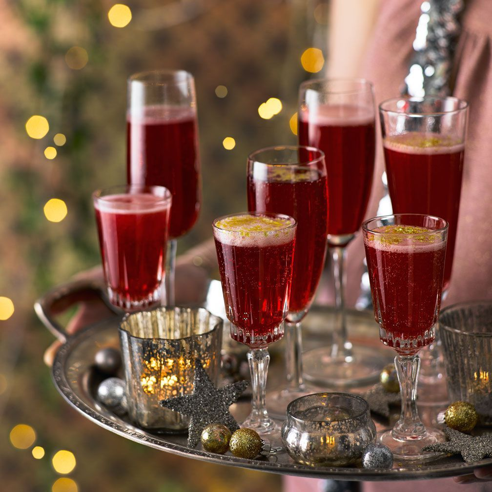 30+ Christmas Cocktails To Get You In The Party Mood