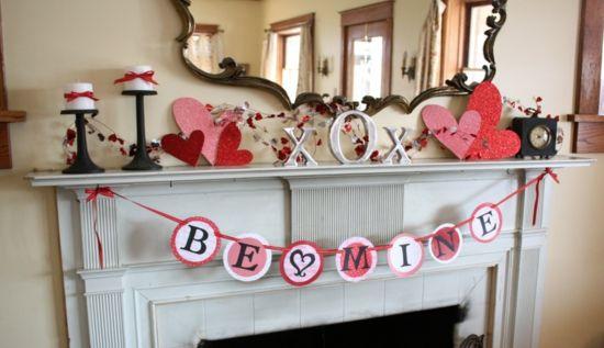 Deko Ideen Zum Valentinstag Romantisch Kaminsims Herzen