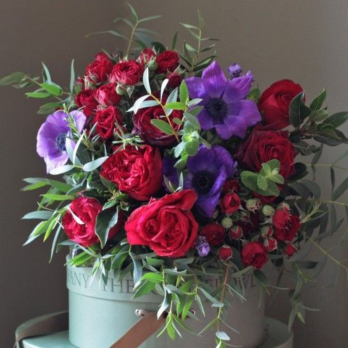 The Real Flower Company Red Rose Anemone Bouquet Http Www Realflowers Co Uk Valentines Flowers 1 The Real Flower Arreglos Florales Ramos De Flores Flores