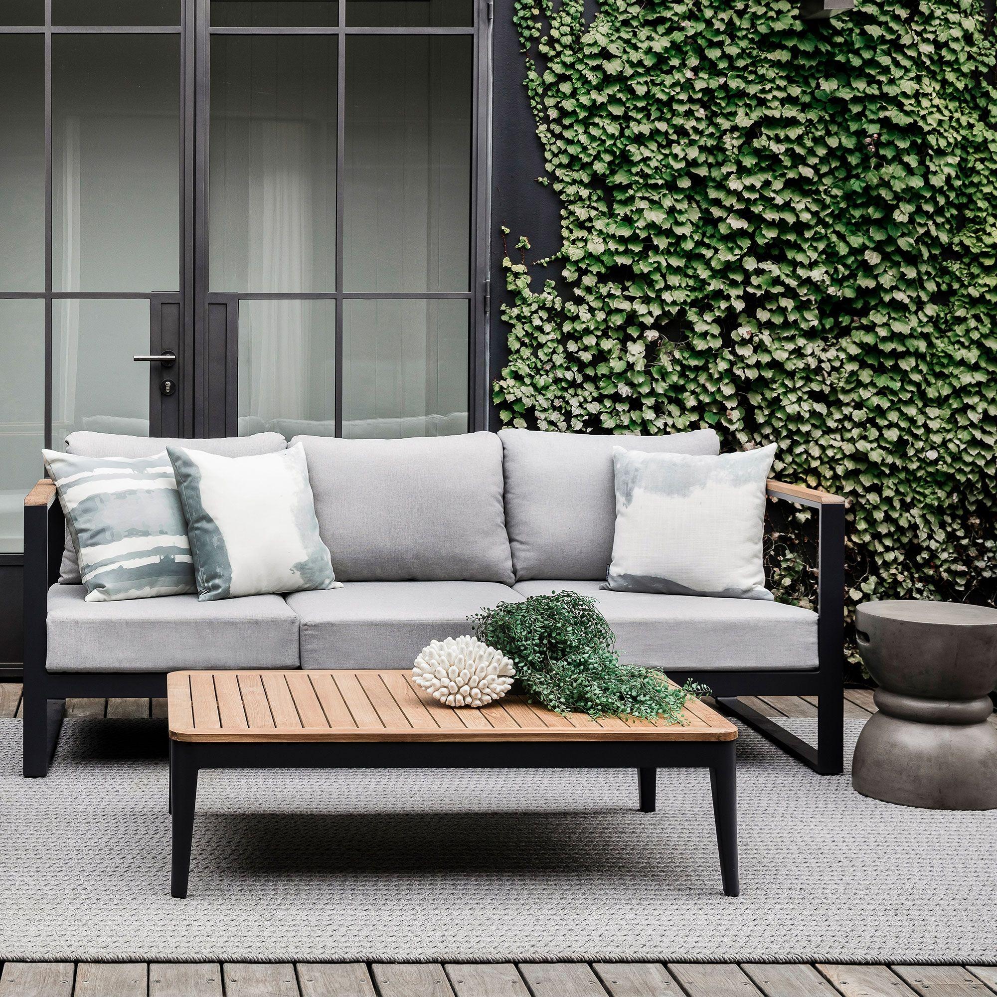 Barcelona Outdoor Sofa In 2019 Taras Outdoor Sofa Modern Outdoor Furniture Garden Sofa