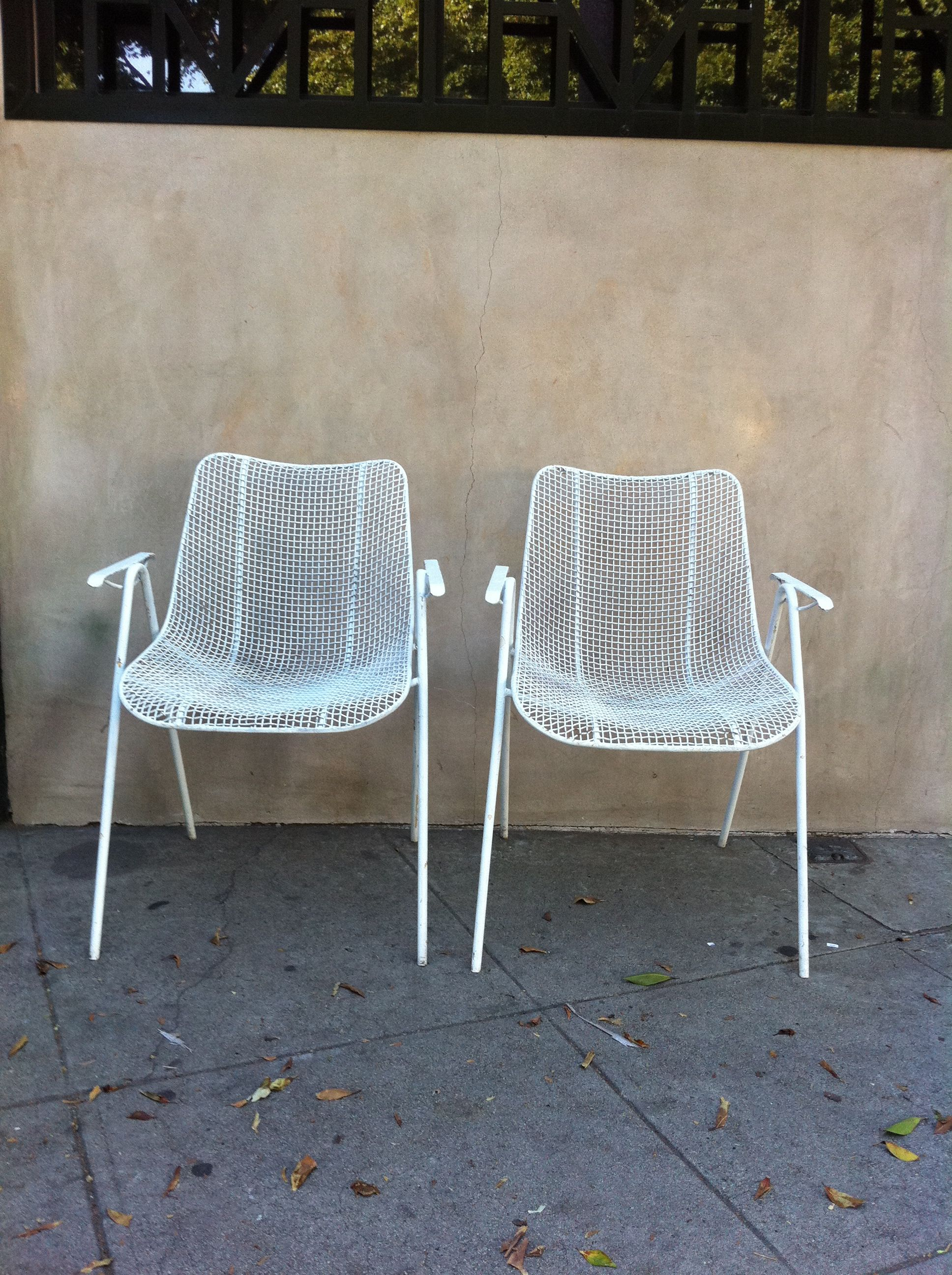2 White Wire Outdoor Retro Chairs For